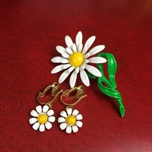 Vintage Enamel Daisy Brooch & Earring Flower Set